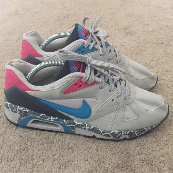 Nike Air Structure Triax 91 RARE Mens Size 8. M 5aa42253caab44e267467279 ba76aed40